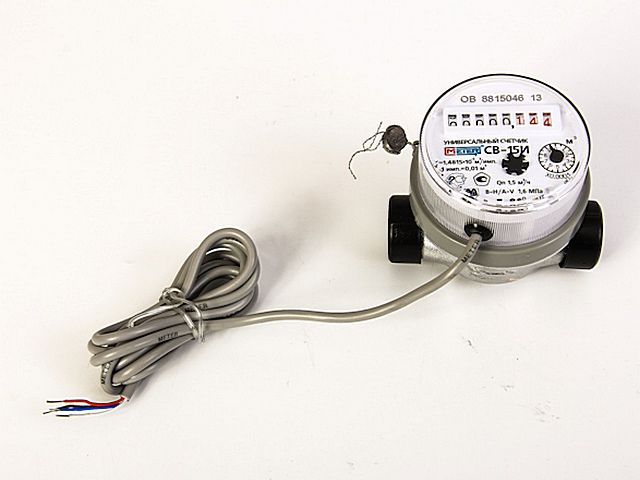 Water meters with pulse output signal cable
