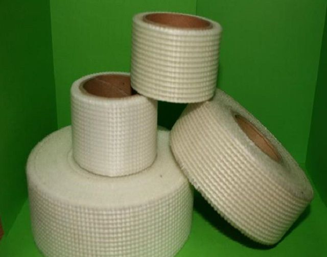 Tape fiberglass mesh for reinforcing seams and joints