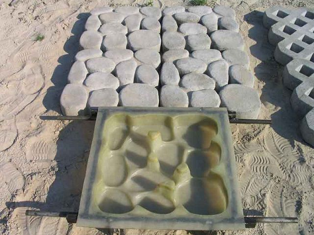Dies for the casting of paving slabs can also be manufactured in-house