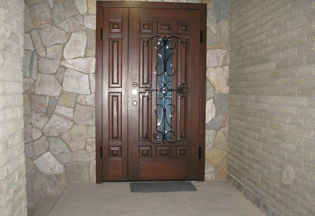 How to choose the front metal door professional advice