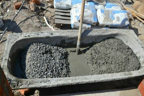 Preparation of concrete by hand