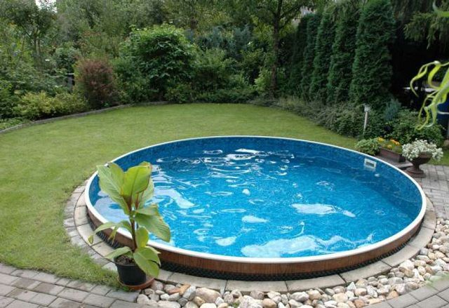 Children will be delighted by the small pool