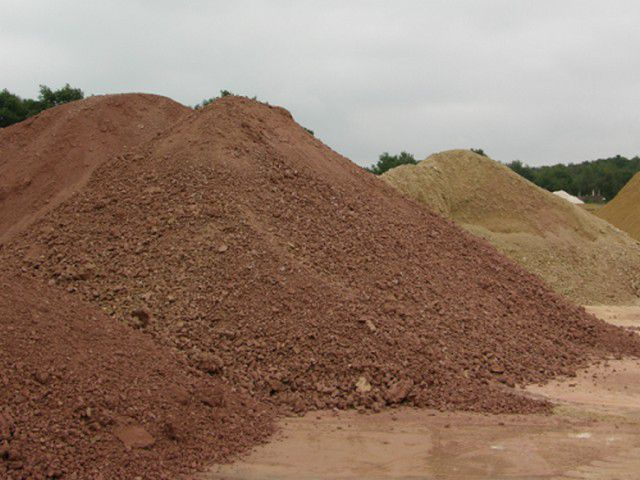 Special grades of clay - the main raw ingredient for the production of ceramic bricks