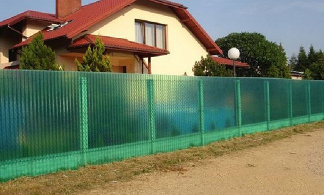 The original translucent polymer slate fence