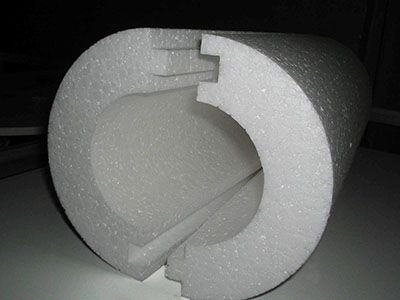 "Polystyrene "" shell "" for the insulation of pipes"