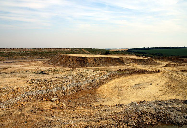 Open pit mining of clays