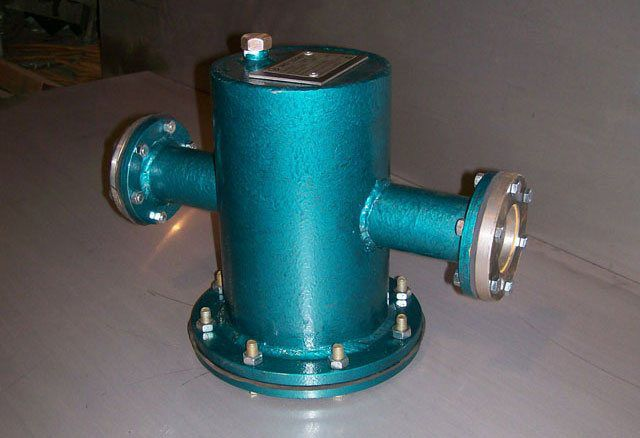 The filter strainer with flange connection