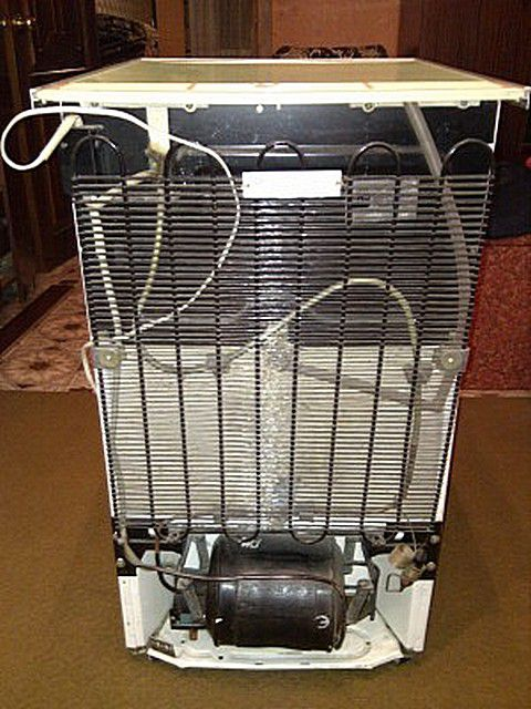 The prototype of the heat pump - familiar to all refrigerator condenser grille which is hot .
