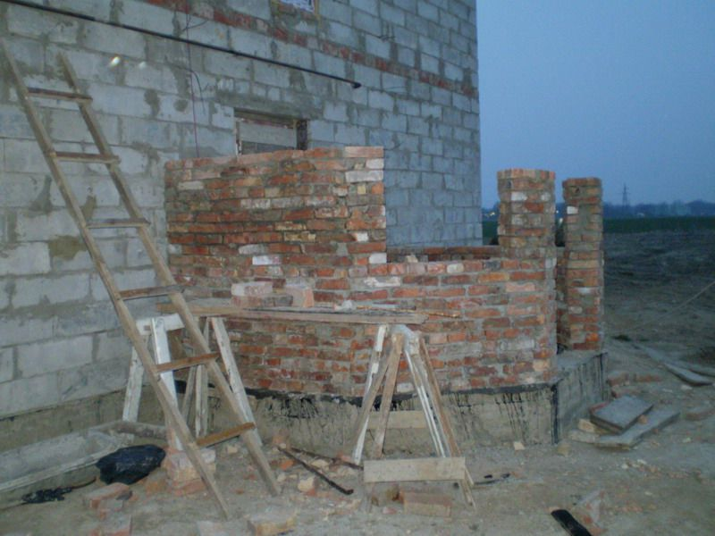 Construction of a brick veranda