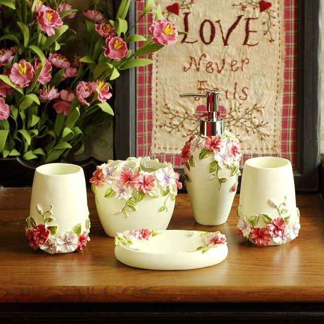 Beautiful ceramic set in romantic style