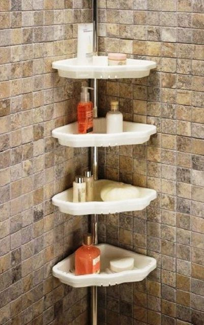 Corner shelves in the bath rim