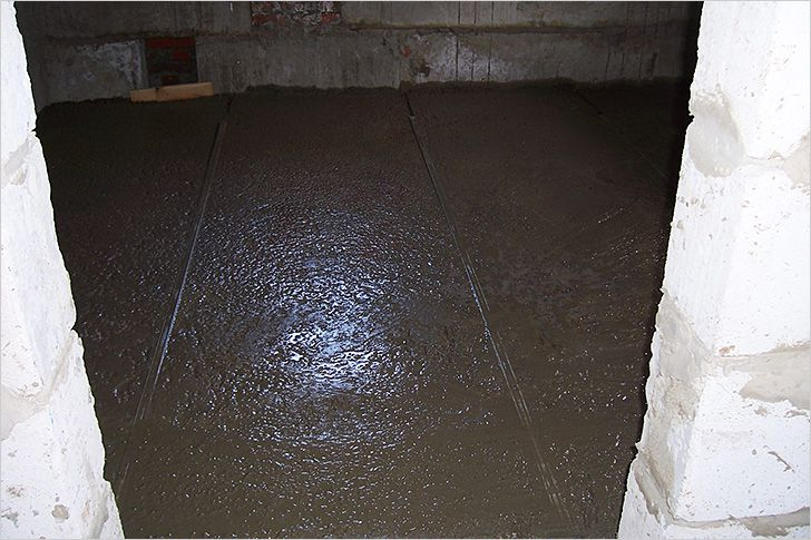 Screed with expanded clay