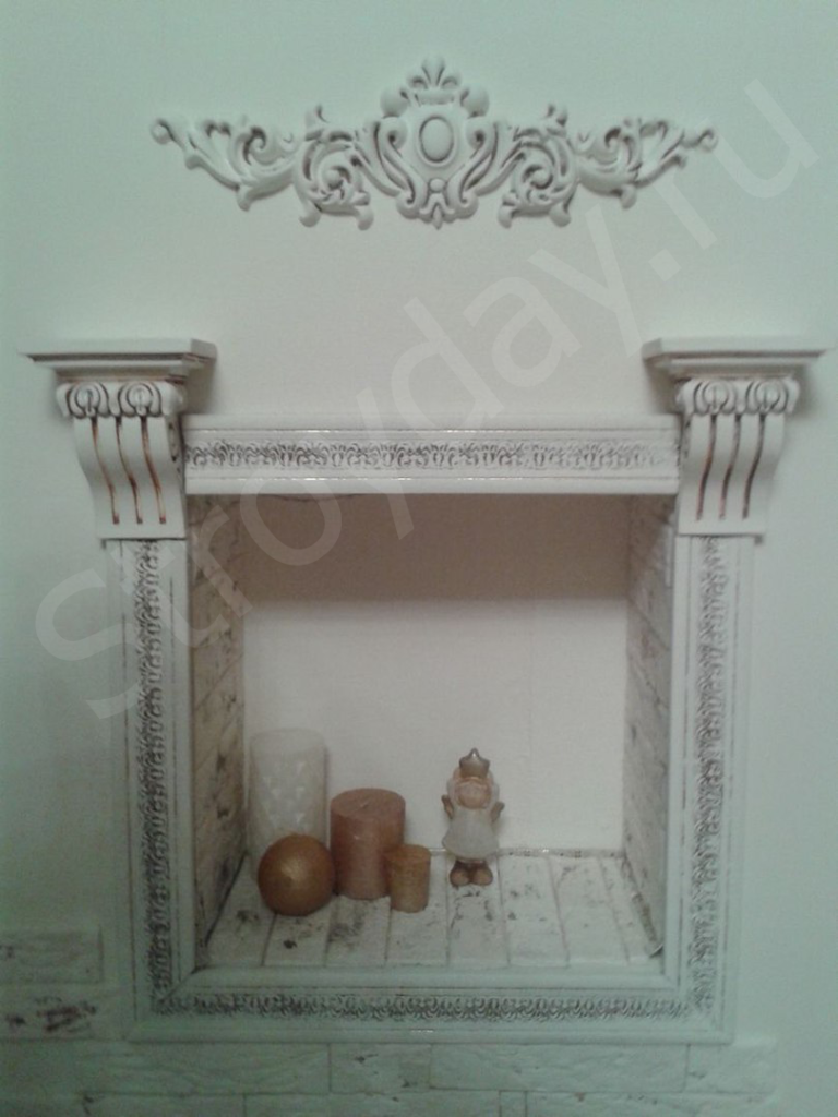 Stained decorative moldings in white paint