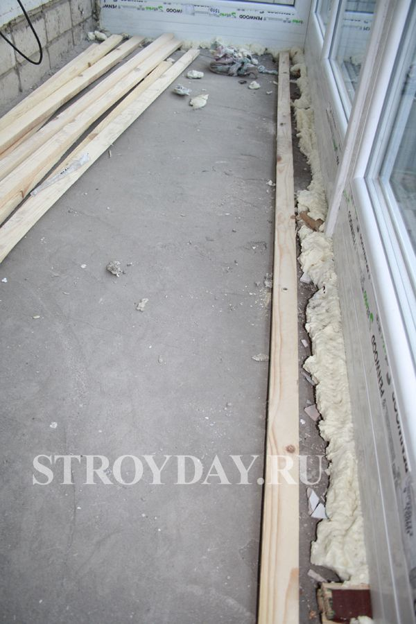 Fixing diagonal strips to the floor formwork