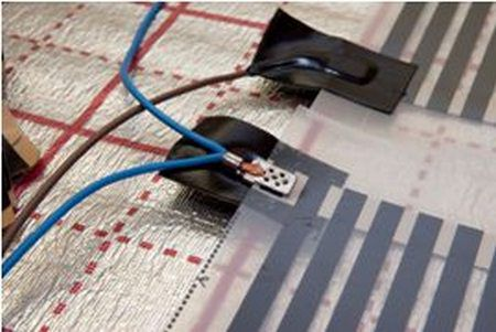 Connecting the infrared heat-insulated floor
