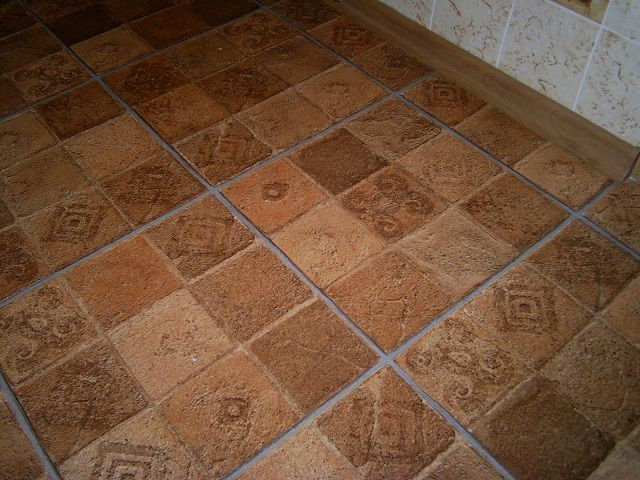 Tiled linoleum offers great opportunities for the mosaic patterning surfaces