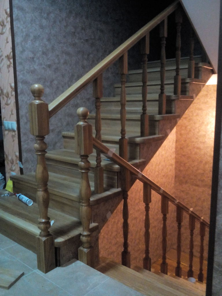 Photo 12. Work on the installation of handrails and balusters
