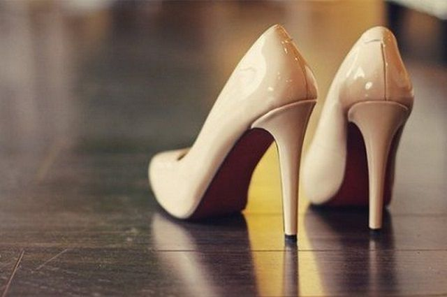 Stiletto heels - a common cause of scratches on the floor