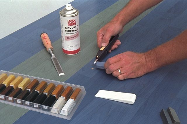 Using a putty - melt for sealing surface flaws