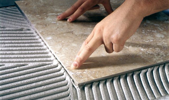 How to lay tiles on the floor