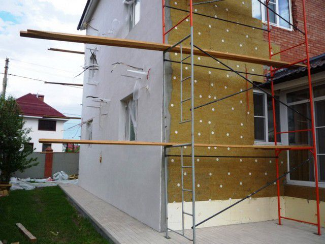 The technology of wet insulation facade