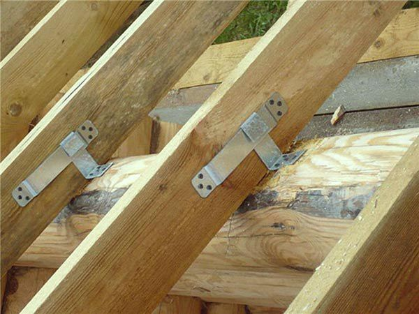 Rafters with sliding mounts