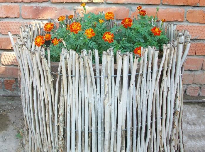 Wattle - fence for flowerbeds