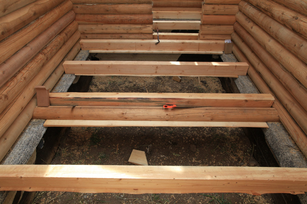Supports and wooden sub-floor joists