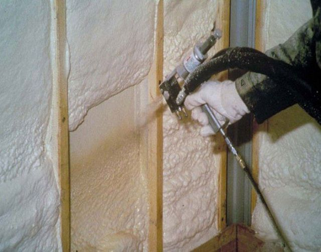 The most common method is the use of polyurethane foam - spraying it on the wall