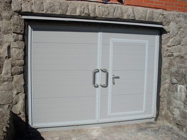 The gate at the gate of the garage can significantly reduce heat loss