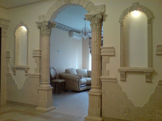 Using elements of plaster or stucco simulation may be limited by the size of the room