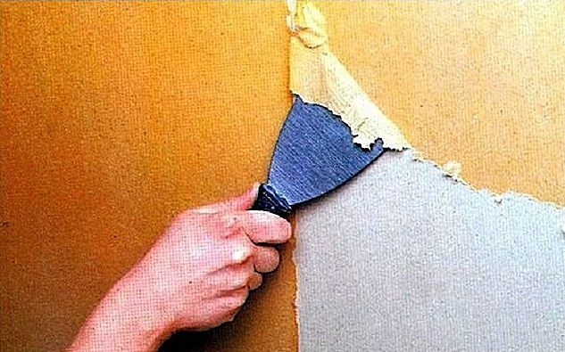 Cleaning the walls of wallpaper