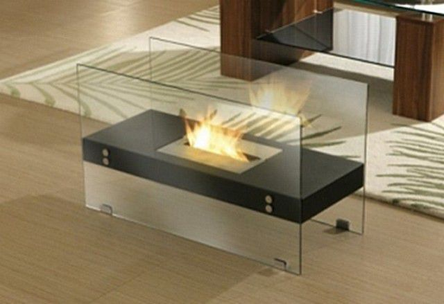 Bio-fireplace of two glass screens