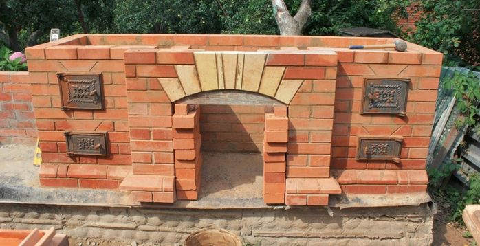 An example of the construction of a barbecue