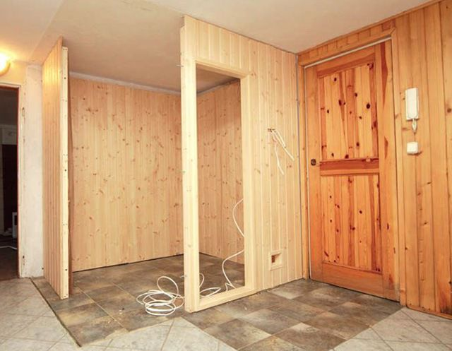 The sauna is conveniently located in the corner of an existing basement - two walls are ready