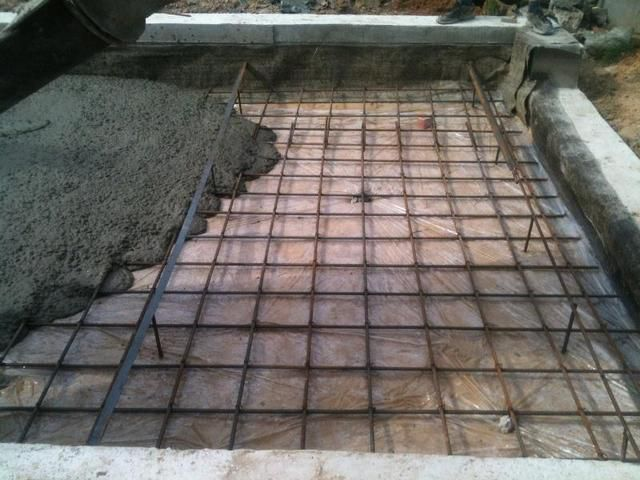 At the same time , you can pour the foundation and the floor of the garage
