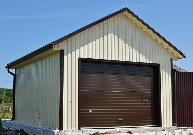 How to make a garage of sandwich panels