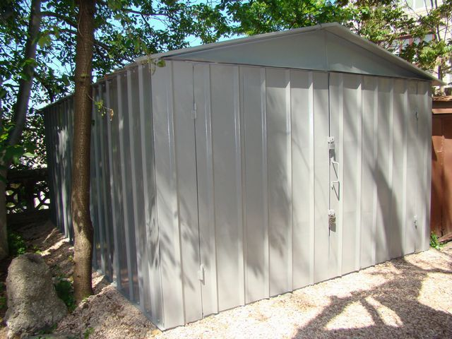 Metal prefabricated garage - require bulk insulation works