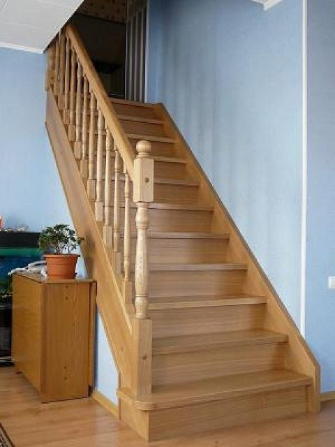 Very nice , simple odnomarshevaya staircase