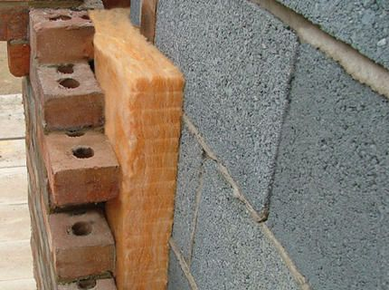 Foam blocks with lining and insulation - brick veneer