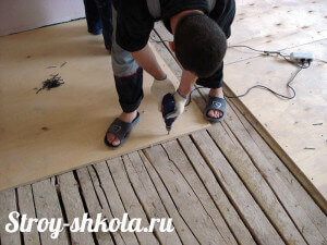 The process of the floor sheathing plywood