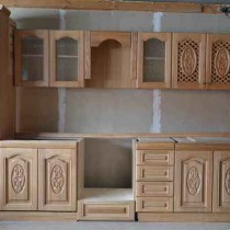 Putting kitchen set