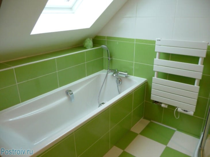 design - bathroom - room - in - green - tonah3