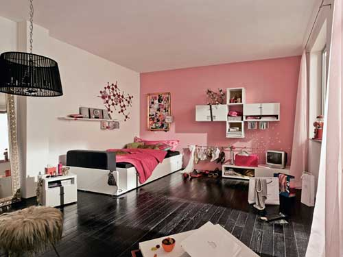 Room design for girls of 12 , 13 , 14 years old