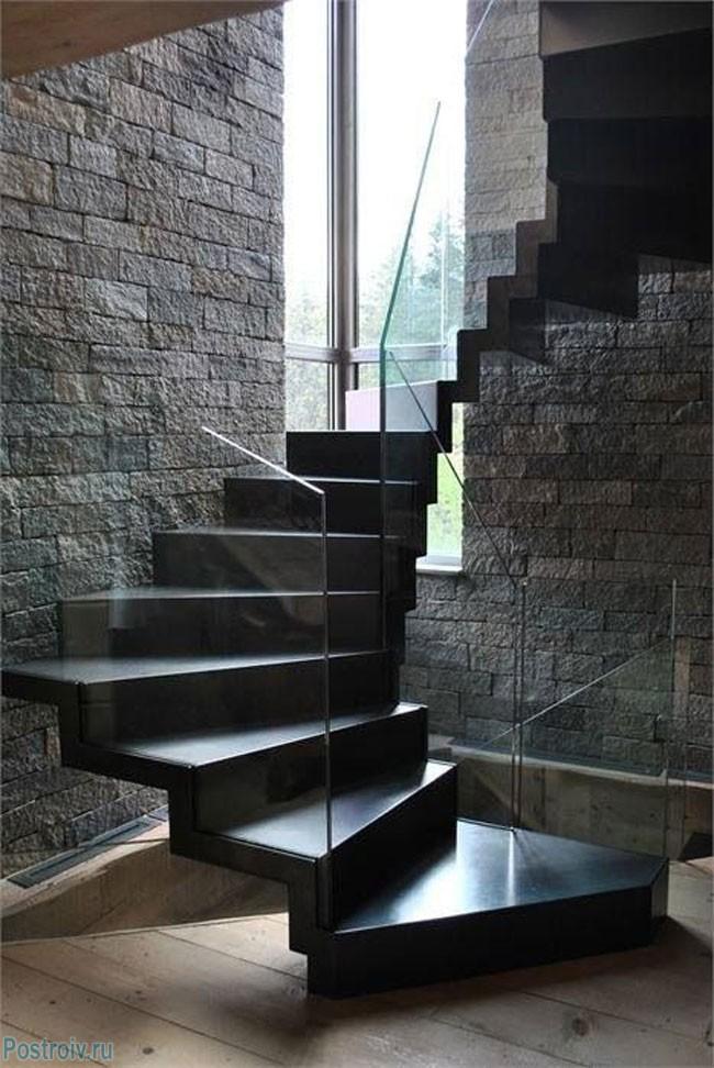 Het ontwerp van de trap naar het huis 30 voorbeelden van for Buitenste trap ontwerp