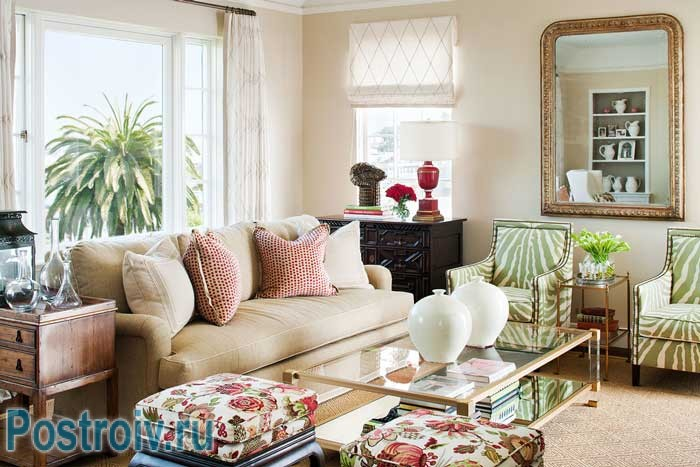 How to arrange the furniture : the circular arrangement of the method , in the center of a glass table on each side of the sofa and chairs