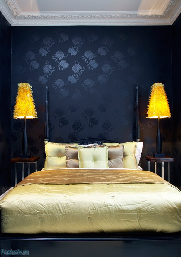 The dark blue wallpaper in the bedroom .A photo