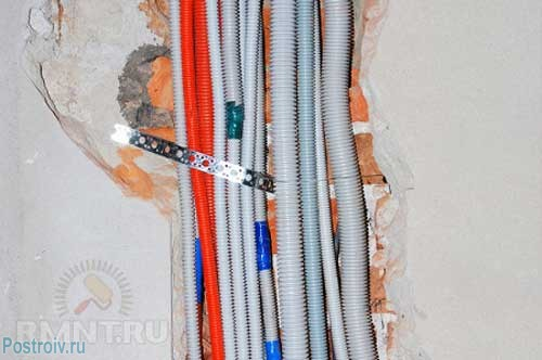 Corrugated pipe for wiring - Photos