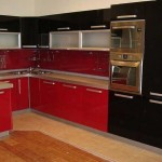 The angular red and black kitchen .Photo 16