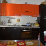 Kitchen orange top , bottom wenge .Photo 12